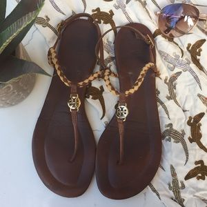 Tory Burch }{ 'Emmy' Thong T-Strap Leather Sandal